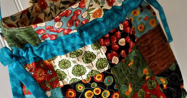 PLEASANT HOME: Funky Pinwheel Scrappy Quilt