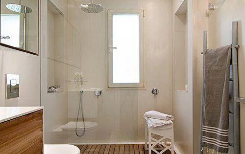 Escalera para colgar toallas ba os pinterest toallas for Colgar toallas ducha