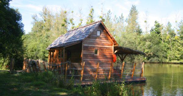 cabane vacances cabane dans les arbres cabane sur l 39 eau. Black Bedroom Furniture Sets. Home Design Ideas
