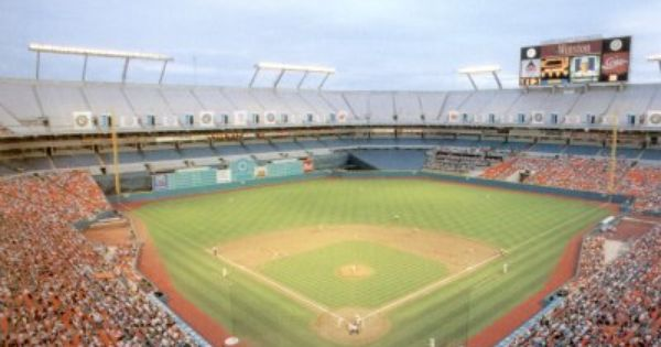 Joe Robbie Stadium Florida Marlins A Completely Soulless Stadium For Football And Moribund For Base Espn Baseball Marlins Baseball Baseball Field Dimensions