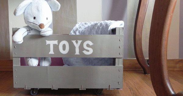 Maripepa caja para juguetes con ruedas personalizada a - Guarda juguetes madera ...