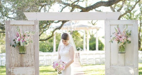 35 Outdoor Wedding Decoration Ideas: 35 Rustic Old Door Wedding Decor Ideas For Outdoor Country