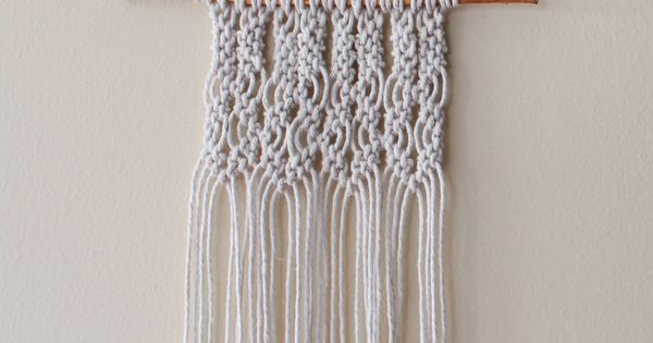 Small macrame wall hanging perfect for beginners - Tapices de macrame ...