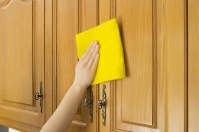 How To Clean Kitchen Cabinets Using Murphy Soap Clean Kitchen Cabinets Cleaning Wood Cabinets Cleaning Wood