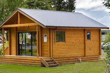 Often Referred To As Eco Tiny Homes This 2 Bedroom Chalet Style Sleepout Or Family Flat Has A Separate Bathroom An Tiny House Design Cabin House Plans House