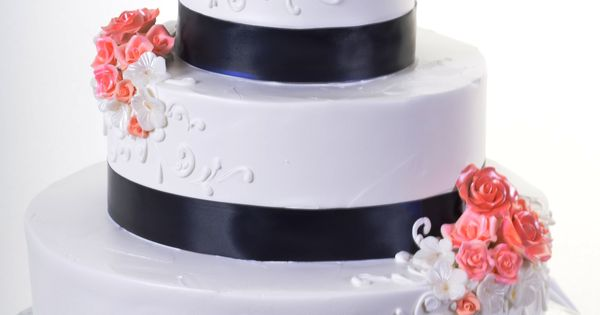 Wedding Cake With Black Bow Frosting Wedding Topper On Top