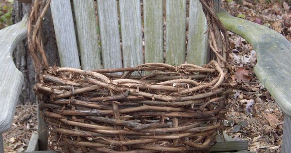 Basket Weaving Grapevines : How to make a grapevine basket craft string crafts and