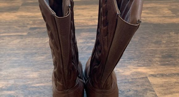Brown 9WW Cowgirl Boots by Torrid Want boots? Wide feet