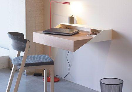 sekret r als kleiner arbeitsplatz sekret rin gesellenst ck und schreibtische. Black Bedroom Furniture Sets. Home Design Ideas