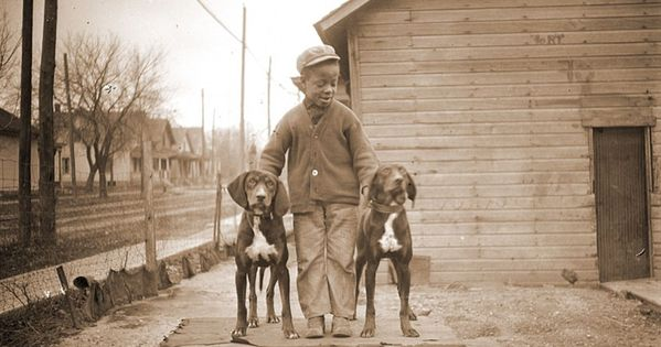 Incredible Photos Of Everyday Life Of African Americans In Early 1900s African American History Photo Dog Photos