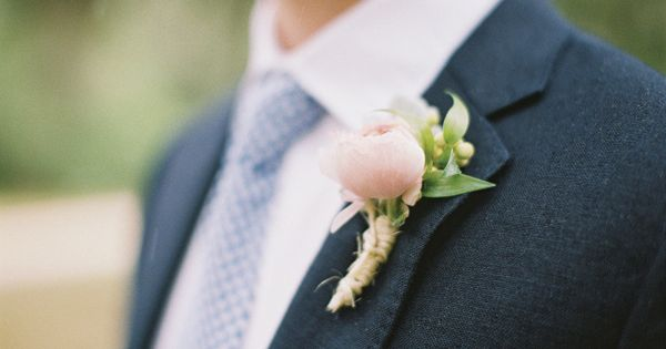 Wedding tie - tulip boutonniere | Ashley Seawell #wedding