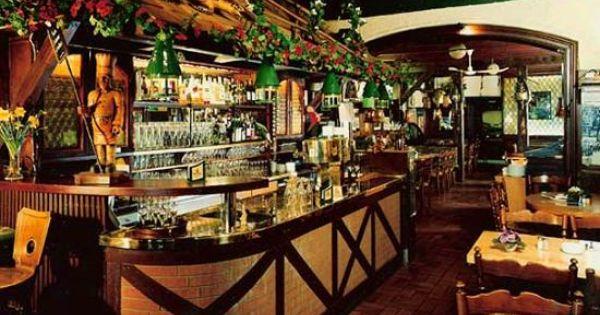 Pin Von Plissee Sonnenschutz Auf Berlin Munchen Hamburg Dusseldorf Koln Stuttgart Restaurant Berlin Restaurant Holz Panele