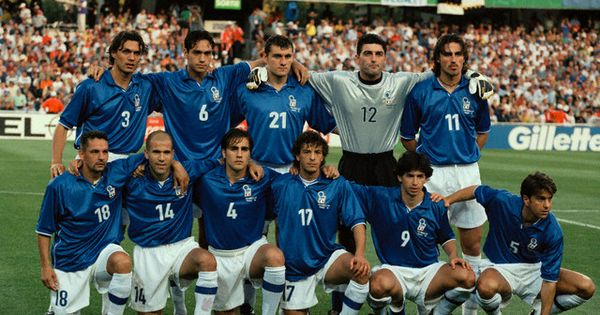Pin De Riccardo Buson En Sports Equipo De Futbol Mundial De Futbol Jugadores De Futbol