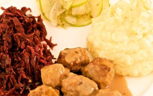 Winter Supper: Swedish Meatballs, Rot Kraut, Creamy Mashed Potatoes ...