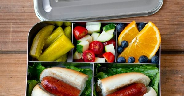 hot dog packed in the lunchbots bento cinco lunch and snack ideas pinterest bento. Black Bedroom Furniture Sets. Home Design Ideas