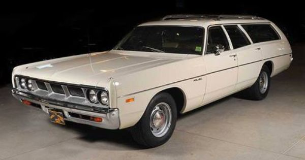 1969 Dodge Polara Ours Was The Sister Plymouth Satellite Wagon In Yellow Same Car Lots Of Memories Station Wagon Cars Station Wagon Wagon Cars