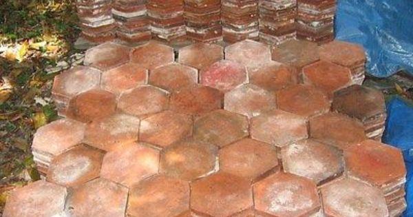 Vieux carrelage terre cuite nid d 39 abeilles 20 m2 for Carrelage nid d abeille