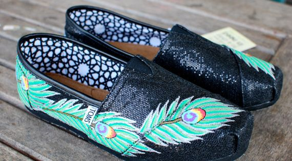 Black Glitter Peacock Feather TOMS!! SoCute