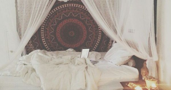 Bedroom tapestry + bed curtains