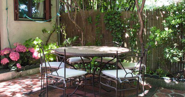 Dans Une Cour Int Rieure Jardins Pinterest Cour Int Rieure Cour Et Fer Forg