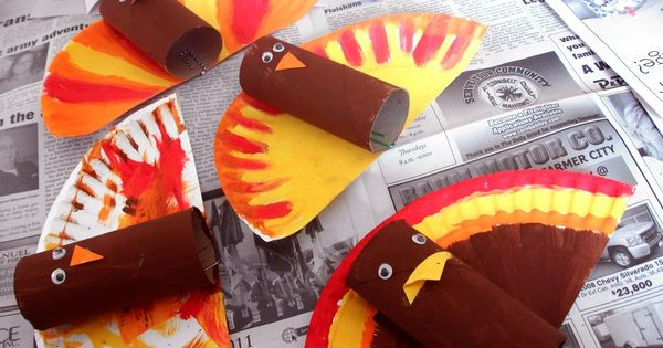 Easy DIY Thanksgiving crafts using materials around the house! Grab a paper
