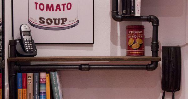 Libreria industriale realizzata con tubi idraulici for Tubi idraulici arredamento