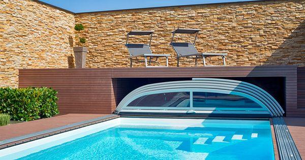 swimmingpool mit berdachung und garage f r. Black Bedroom Furniture Sets. Home Design Ideas