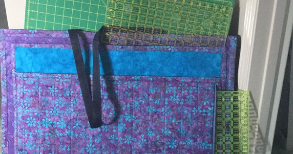 Tote Bag I Made For Taking Your Cutting Mats To Quilting Classes Quilting Ideas Pinterest