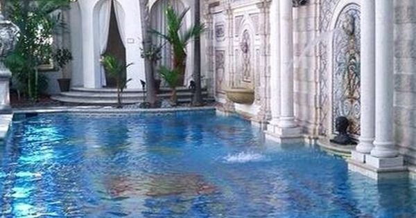 Versace mansion piscinas pinterest versace swimming for Versace pool design
