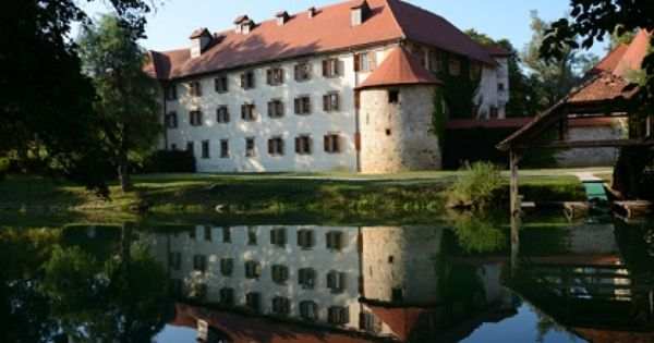 Otocec Castle Near Novo Mesto Slovenia One Of The Must Places In Slovenia And A Popular Place For Weding Parties Novo Mesto Slovenia Travel Slovenia