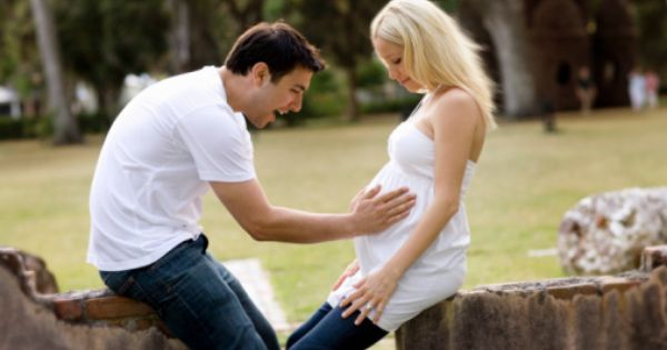 Couple Maternity Picture Ideas | Maternity Photography Couple