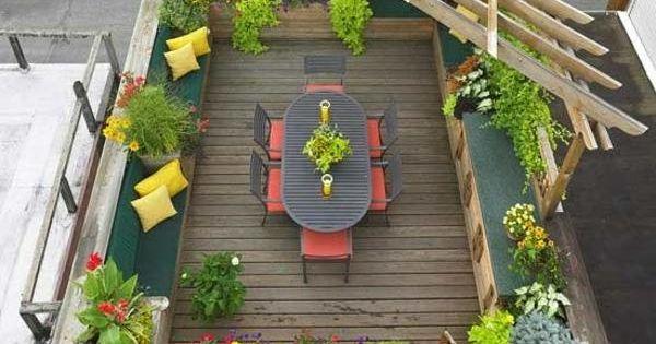 terrassengestaltung ideen pergola sitzecke bunte blumen. Black Bedroom Furniture Sets. Home Design Ideas