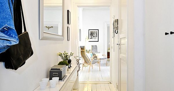 Petite entr e bien am nag e appartement blanc http for Rangement entree appartement