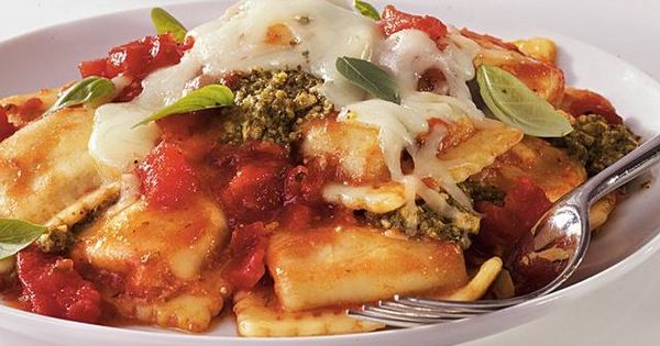 Crockpot Pesto-Ravioli Casserole Recipe. Crock pots are The best invention ever.