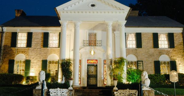 The Most Famous House In Every Us State In 2020 Graceland Elvis Elvis Presley Graceland Elvis Presley