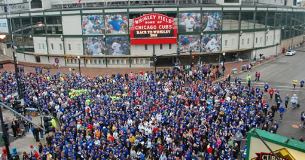 Race To Wrigley 5k Chicago Chicago Cubs Wallpaper Cubs Wallpaper Wrigley Field