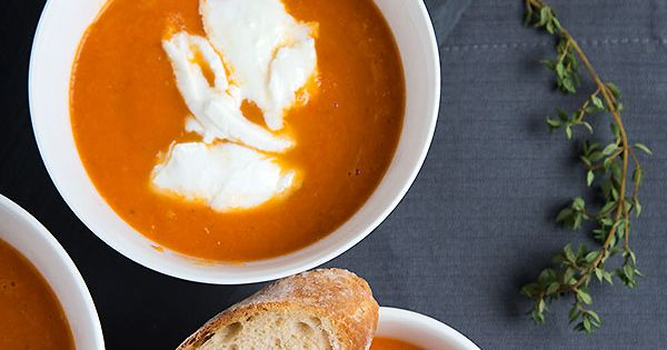 Creamy oven roasted tomato soup with mozzarella | Not the biggest fan