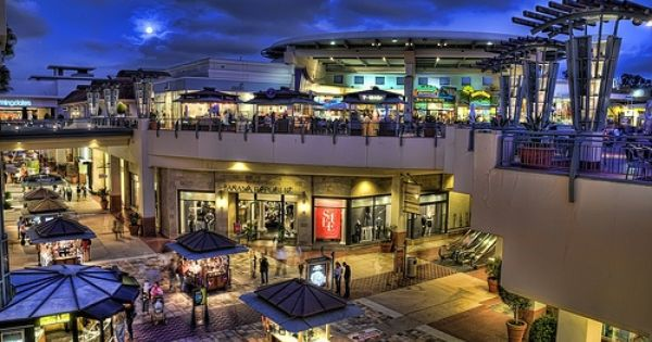 Fashion Valley Mall San Diego One Of My Homes Away From Home San Diego Shopping San Diego Houses Mall Design