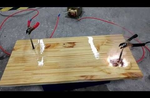 Lichtenberg Burning A Wood Crate Pyrography With Electricity Youtube Burning Wood With Electricity Wood Burning Stencils Wood Burning Art