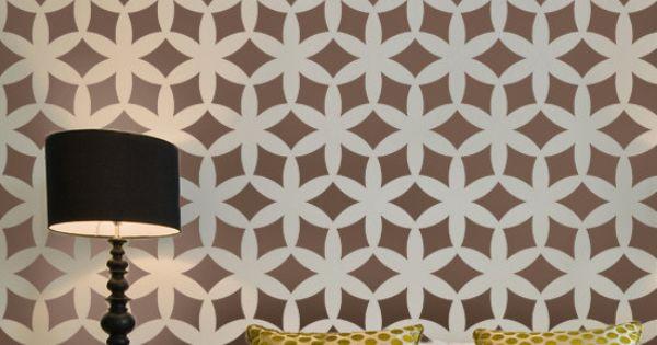 Bold wall pattern