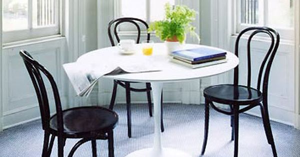 white tulip table black bentwood chairs heart pitter  : 7b19e742c384b658556bc864a67c58c9 from www.pinterest.com size 600 x 315 jpeg 33kB