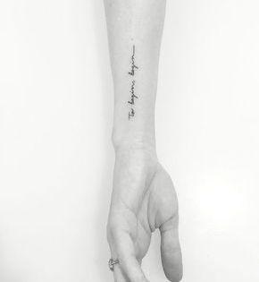 23++ Tatouage phrase poignet femme inspirations