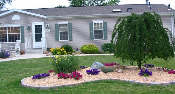 Pin By Mobile Home Living On Mobile Home Living Mobile Home Landscaping Home Landscaping Landscaping Around House
