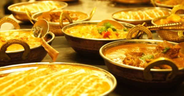 Get A Delicious Dining Experience Of Rich Indiancuisines By Ordering Food From Indiancatering Indian Food Catering Food Indian Food Recipes