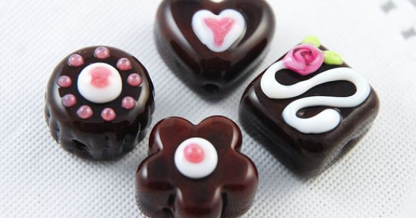 pink and white lampwork glass chocolate beads in a by eye candy jewelry pinterest beads glass and craft
