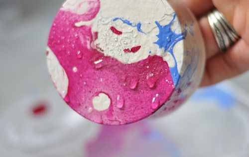 DIY: Marbling with Nail Polish. Design Mom blog