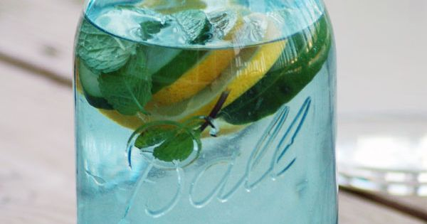 Detox water - helps you maintain a flat belly, 2 lemons, 1/2