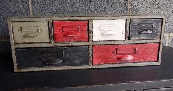 Meuble mural industrie 6 tiroirs en fer maison for Meuble a tiroir en fer