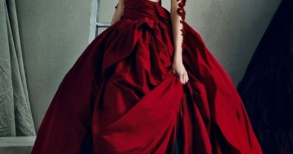 Karlie Kloss in Marchesa | Couture. karliekloss marchesa couture gowns