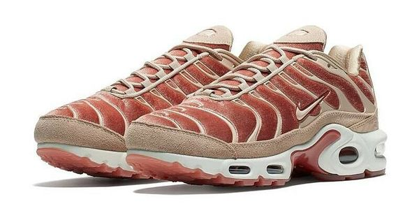Nike Womens Air Max Plus LX Velvet Dusty PeachBio Beige